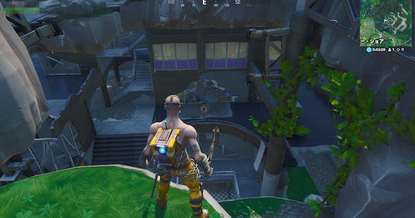 朽ちたヒーローの屋敷と荒廃した悪党の隠れ家に着地する