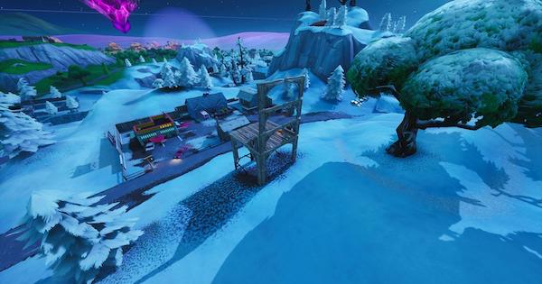コウモリ像の前、高い場所にあるプール、巨人の座席でダンスする
