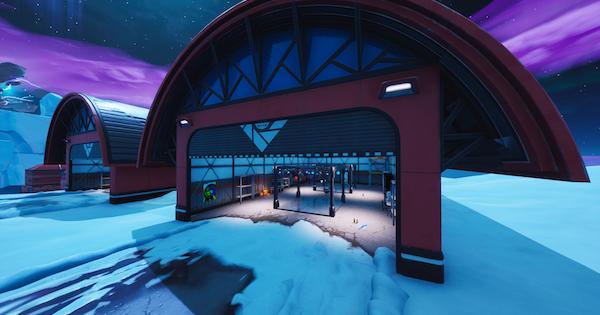 飛行機格納庫で他プレイヤーとダンスしてミラーボールを輝かせる