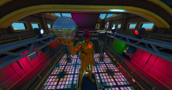 デッドプールのヨットパーティーでダンスをする