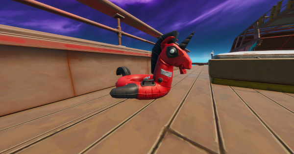 ザ・ヨットでデッドプールの浮き輪を見つける