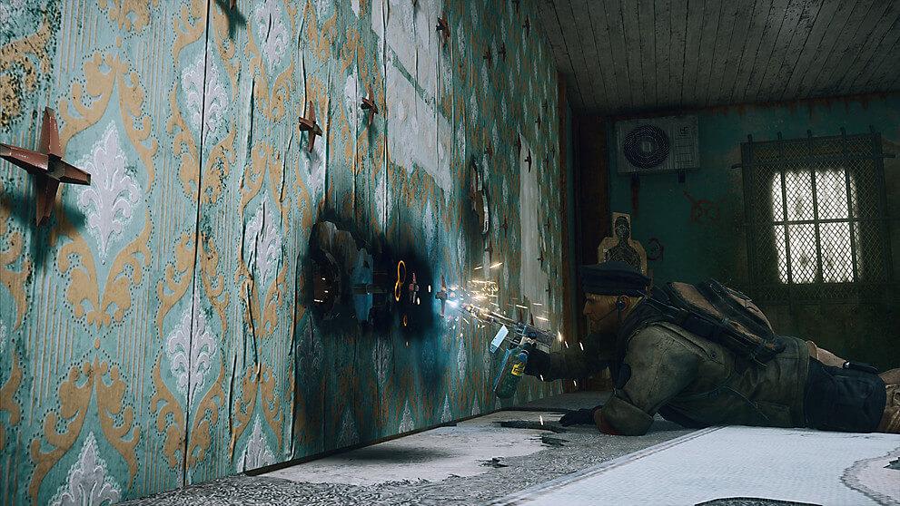 壁を破壊する兵士